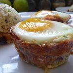 Prosciutto con huevo y espinaca