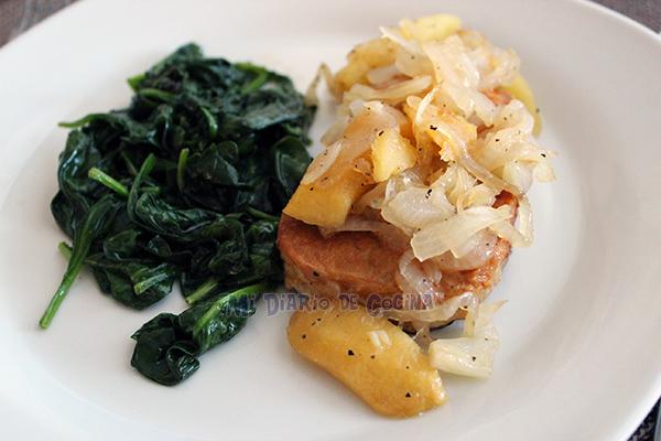 Lomo-de-cerdo-con-manzanas-y-cebolla-caramelizada02