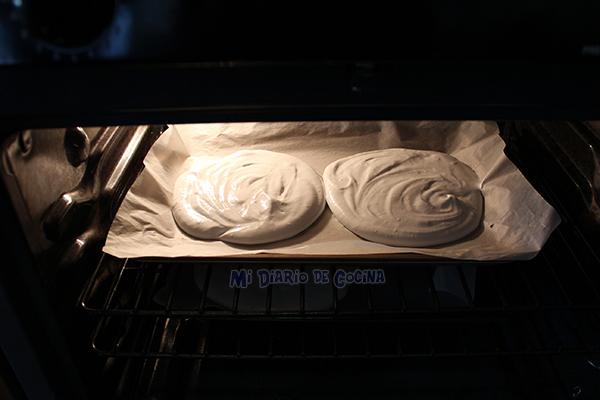 Torta-de-merengue-lucuma9
