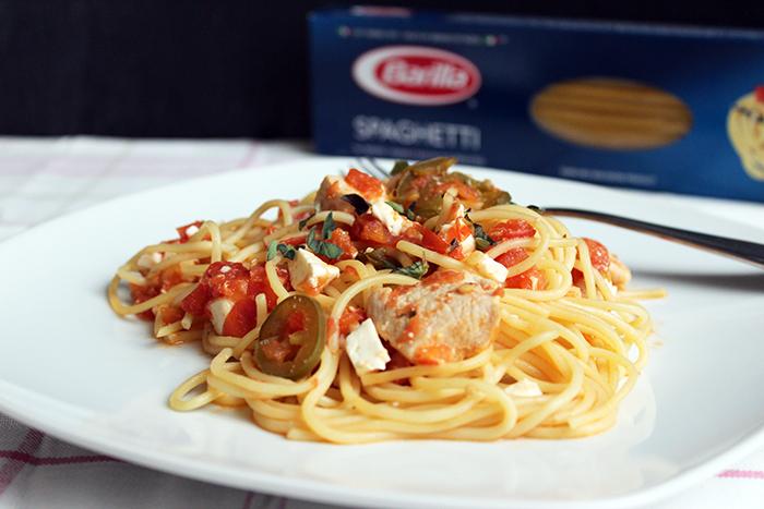 Barilla® Spaghetti with Chicken and Spicy Tomato Sauce