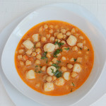 Chickpeas with scallops