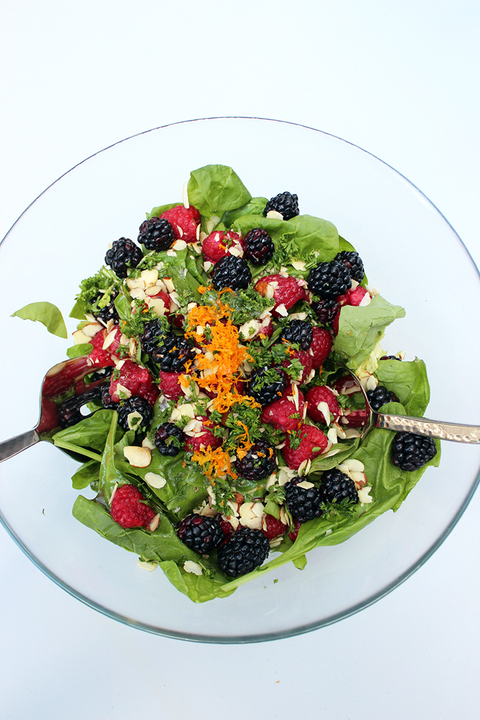 Green-salad-with-berries