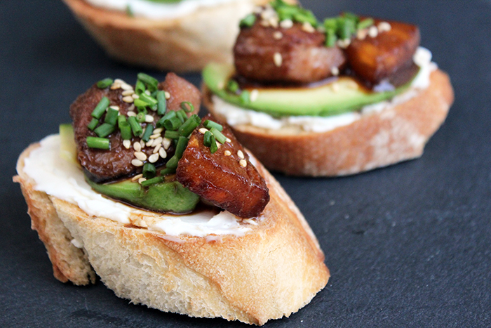 Crostini with chicken and pineapple teriyaki