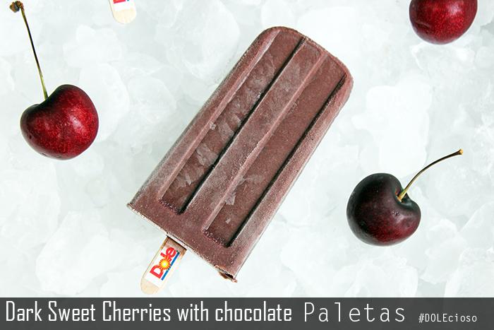 Dark-sweet-cherries-with-chocolate-paletas01