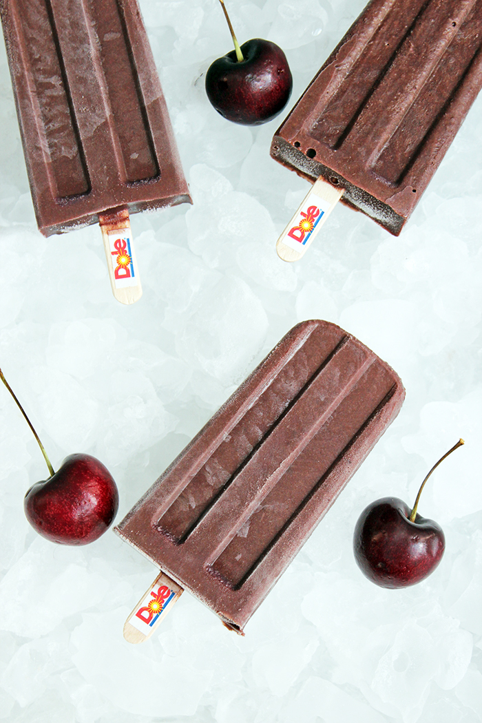 Dark sweet cherries con chocolate Paletas