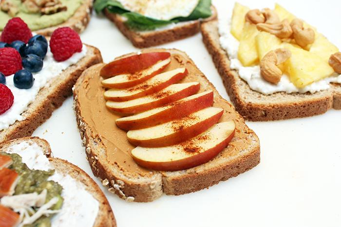 Tapas de pan integral con variados rellenos