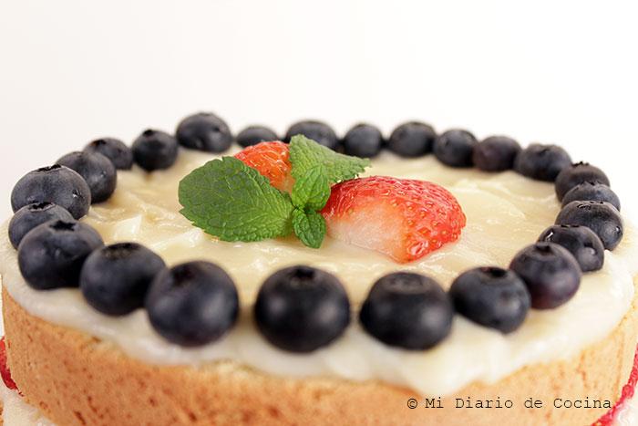 Torta-de-bizcocho,-pastelera-y-berries05
