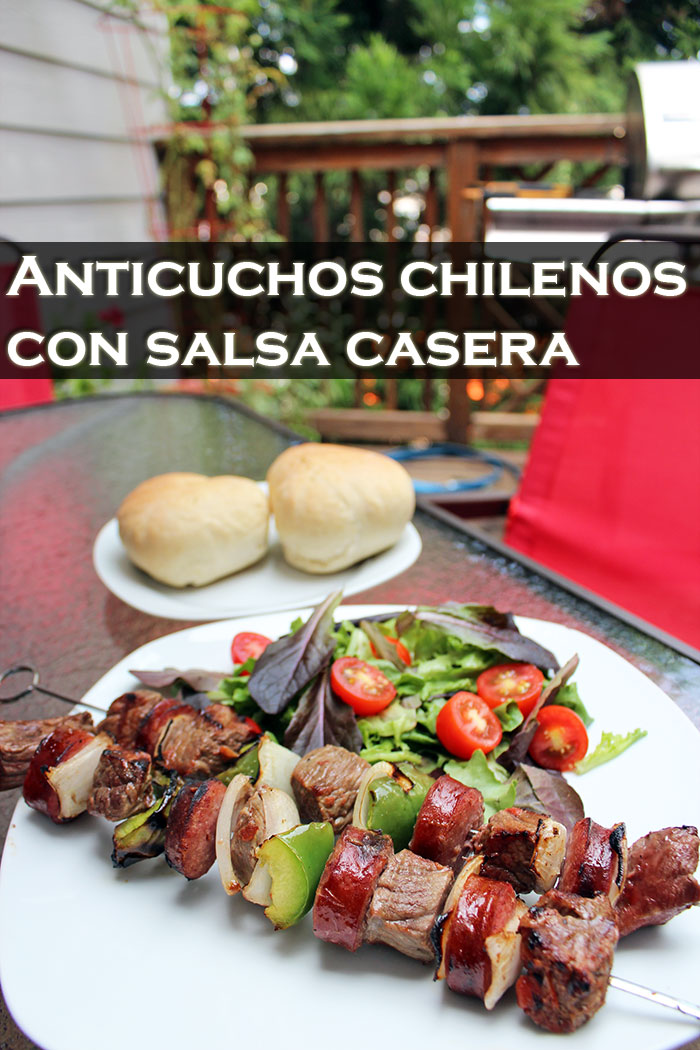 Anticuchos-chilenos-con-salsa-casera