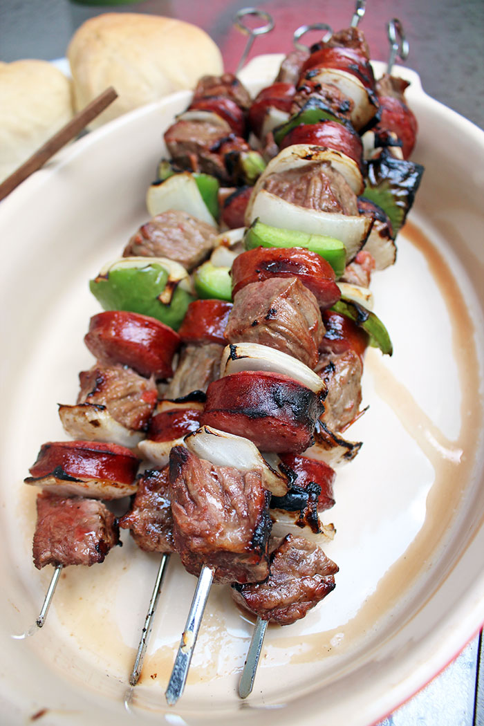 Chilean-skewers-with-homemade-sauce03