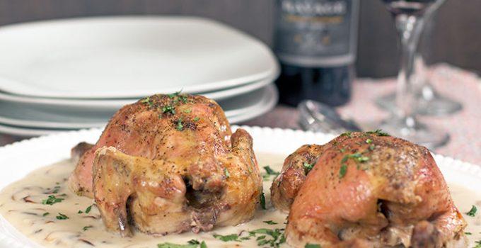AD – Gallinas con salsa de champiñones y vino