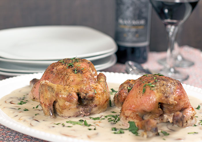 Cornish hens with mushrooms and wine sauce