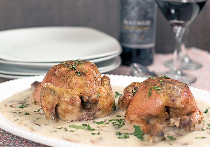 Cornish hens with mushrooms and wine sauce