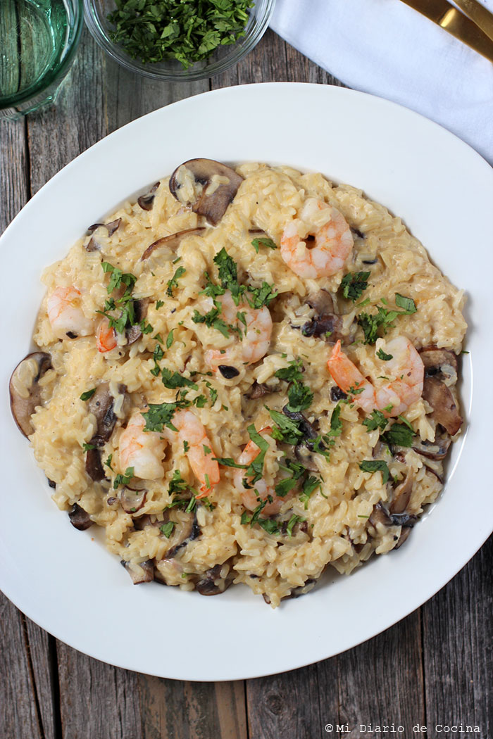 Garlic shrimp risotto with mushrooms