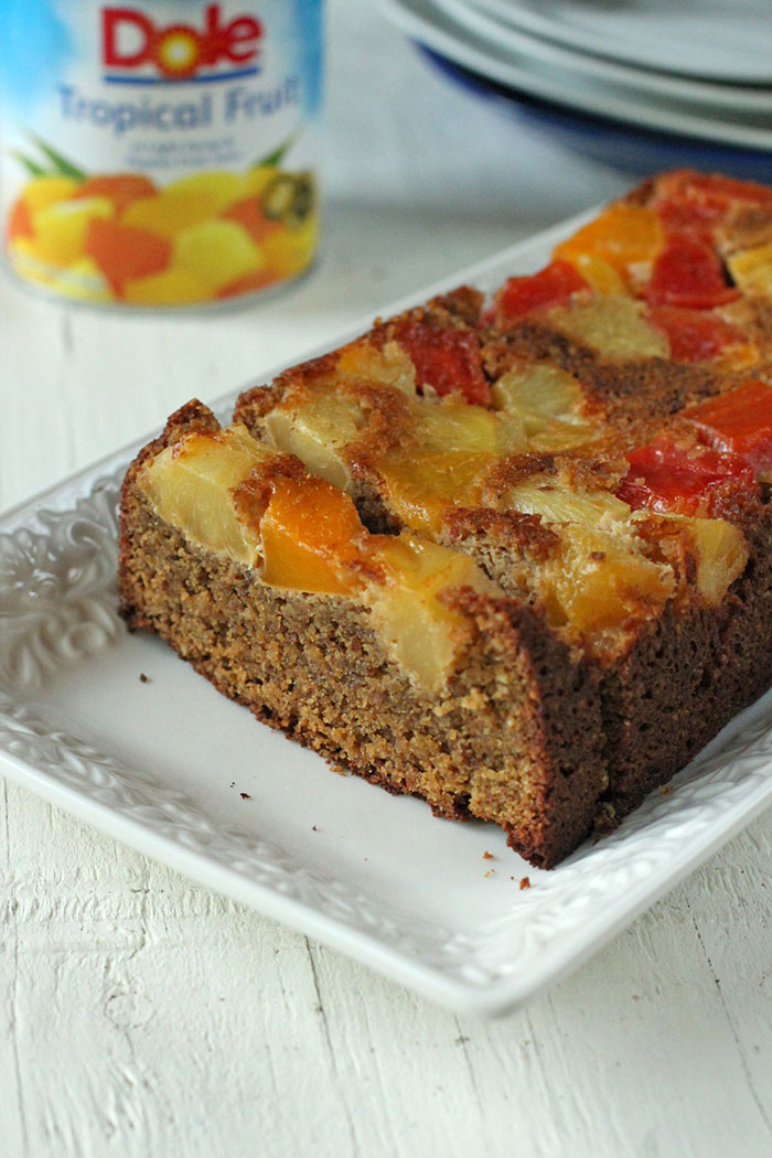 Pastel de almendras y frutas sin gluten