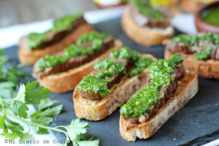Beef Crostini With Chimichurri Sauce Mi Diario De Cocina