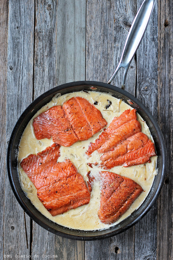 Salmon in cream sauce