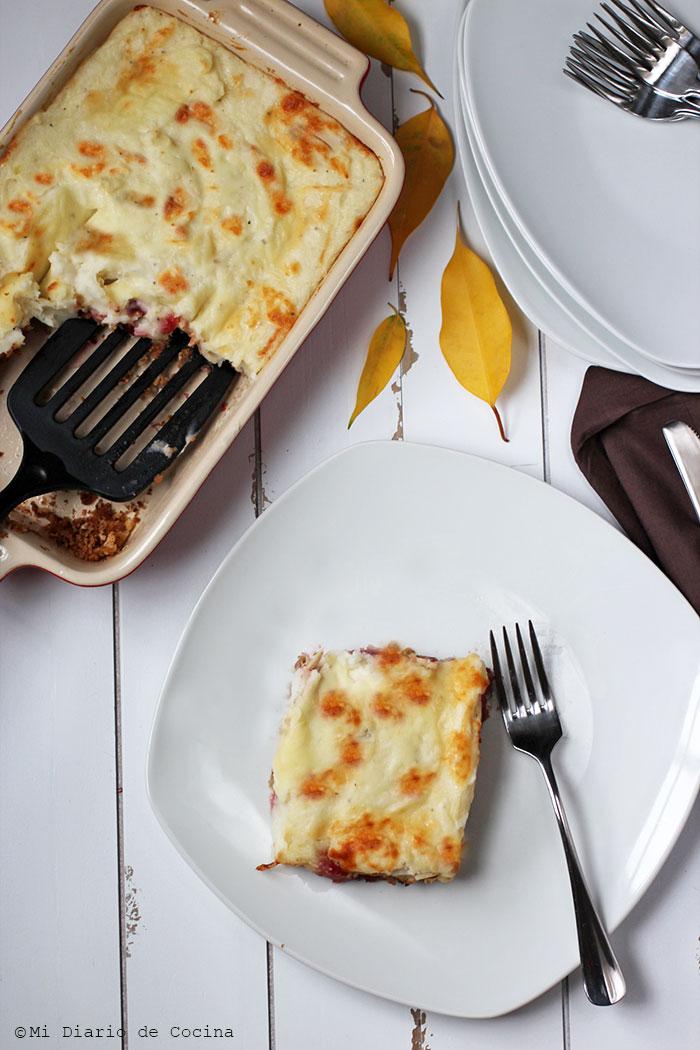 Potato and turkey meat pie