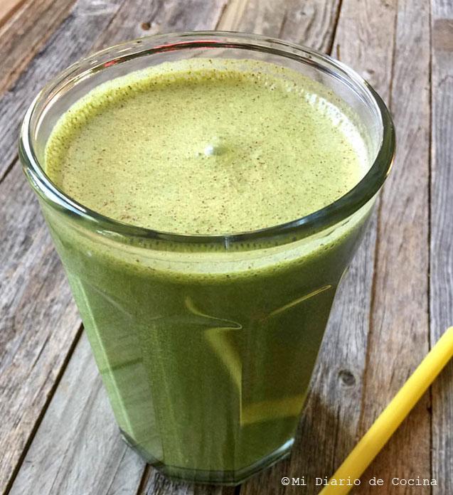 Smoothie verde de proteínas