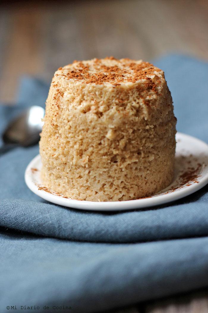 Oatmeal, Apple, and Cinnamon Mug Cake
