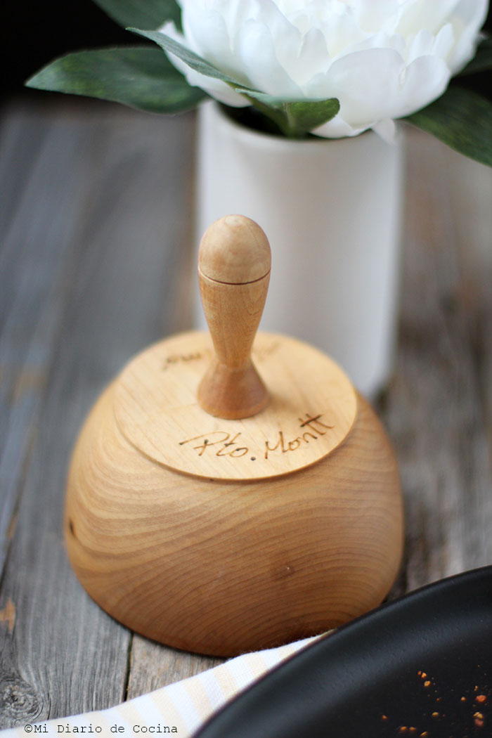 Wooden rice mold