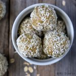 Oatmeal and turmeric balls