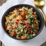Ensalada de quinoa, espinacas y granada