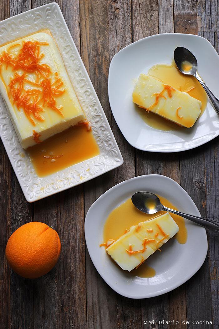 Postre de maicena y salsa de naranja