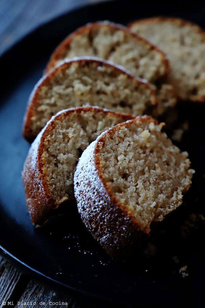 Oatmeal apple cake