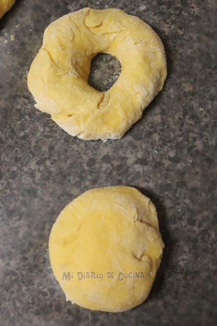 Picarones (pumpkin donuts) with panela sauce